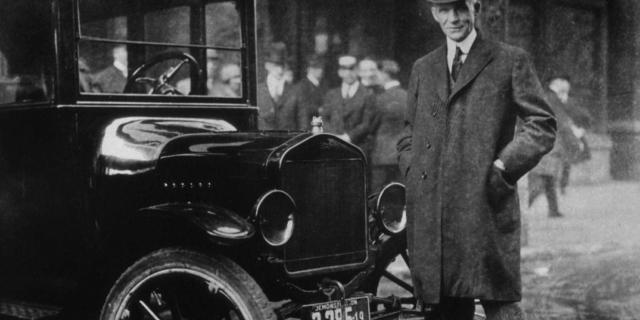 Χένρι Φορντ. Ο βιομήχανος που δημιούργησε τα φθηνά αυτοκίνητα και εμπνεύστηκε τη «γραμμή παραγωγής» όταν είδε πώς λειτουργεί ένα σφαγείο...