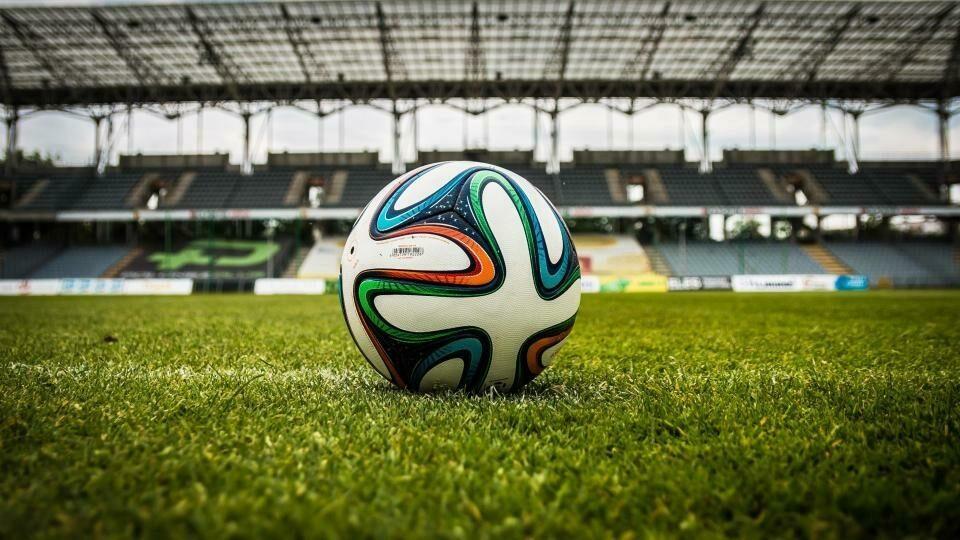 Deloitte: Ρεκόρ 28 δισ. εκατομμυρίων ευρώ στα έσοδα της ευρωπαϊκής αγοράς ποδοσφαίρου