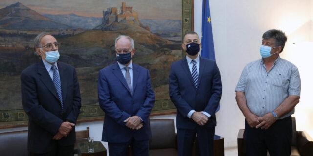 Την ανέγερση Μνημείου Πεσόντων του Έπους 1940 στο Καλπάκι χρηματοδοτεί η Βουλή των Ελλήνων